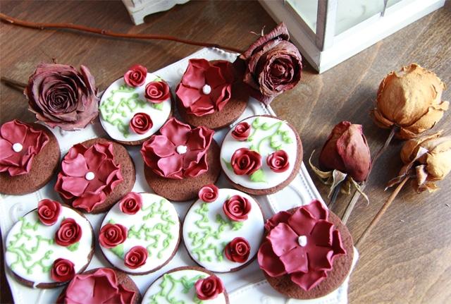 Galletas, cake pops y tarta de boda