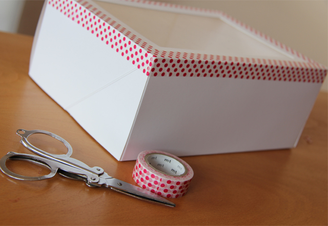 Cupcakes y caja decorada con washi tape