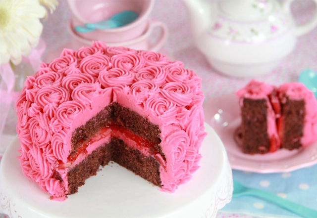 Layer Cake chocolate y fresa