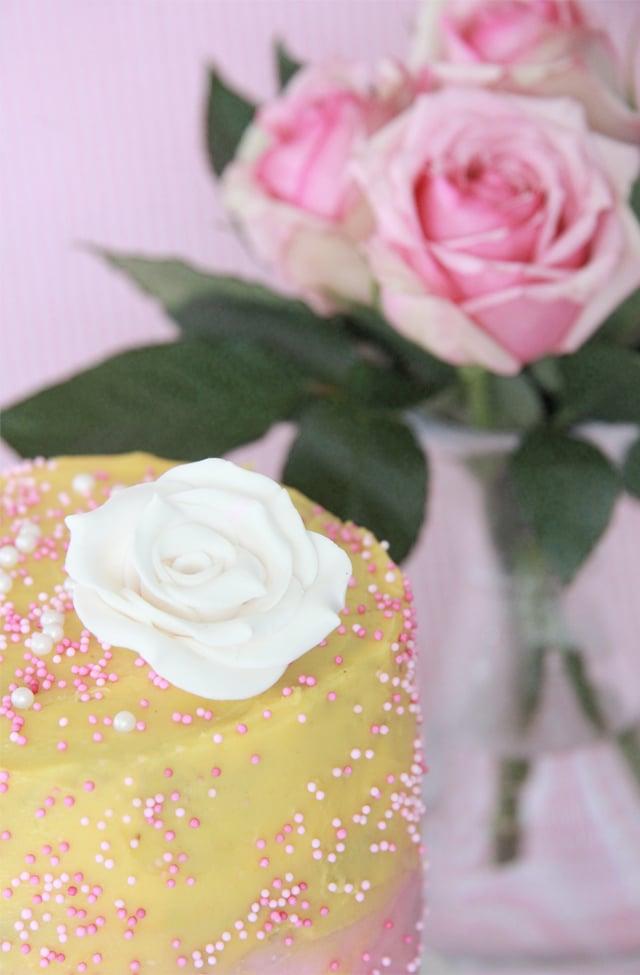 Tarta degradado rosa y amarillo