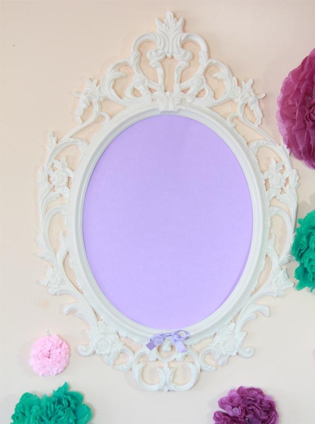 mesa dulce de cumpleaños violeta y verde agua
