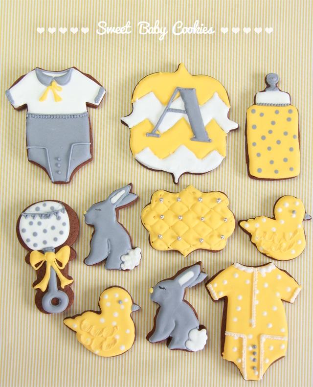 Galletas de bebé amarillo y gris