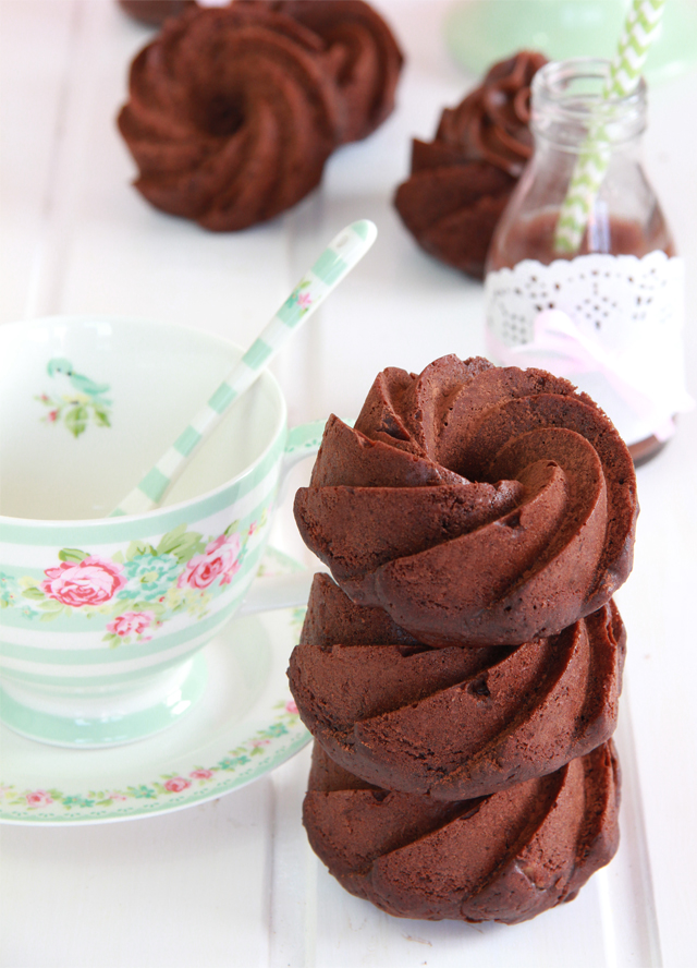 Mini Bundt Cakes de zanahoria y chocolate