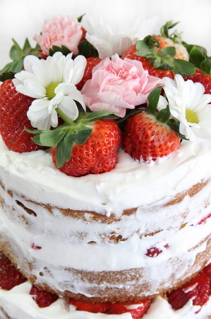 Naked Cake de fresa y nata