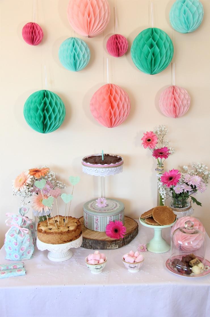 Mesa dulce en tono rosa y verde